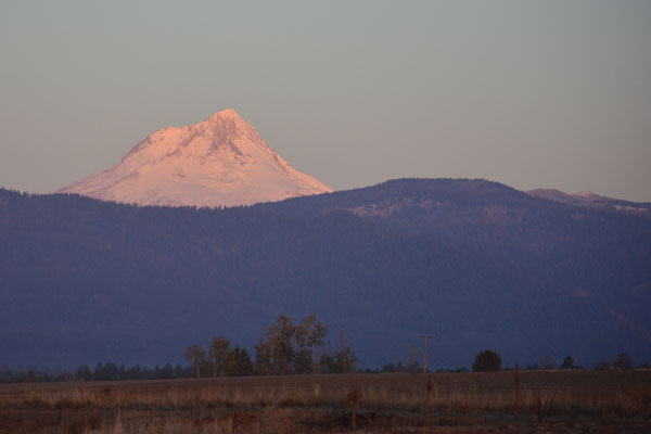 Mt. Hood Sunrise Nov 2013 crop