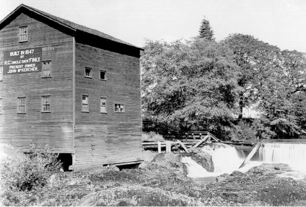 The McKercher family mill in 1940. Salem Library photo.