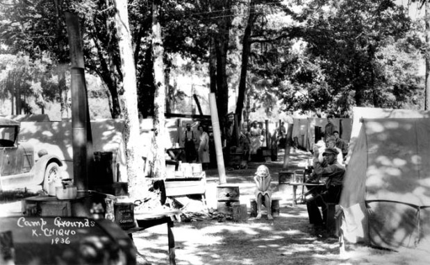 A hop pickers camp in 1936.